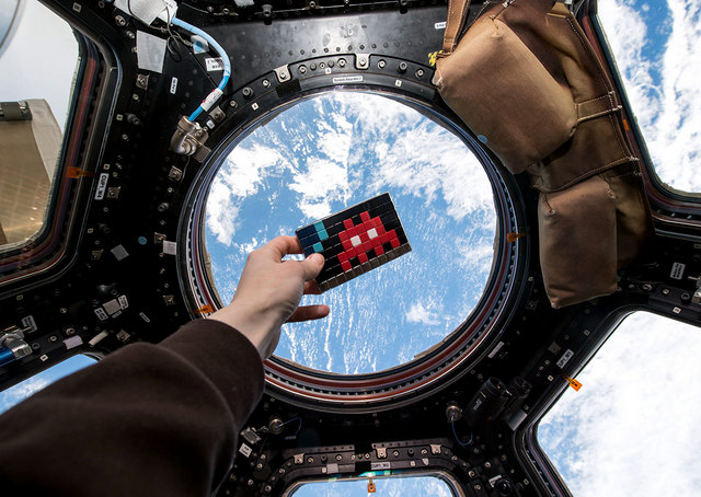 Space-Invader-International-Space-Station-Photo-Samantha-Cristoforetti-31